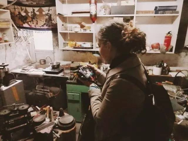 Checking out a silver workshop
